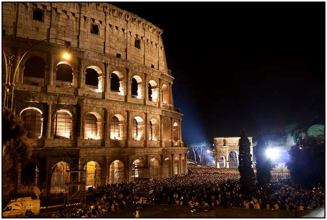 Colosseum-in-Rome-12