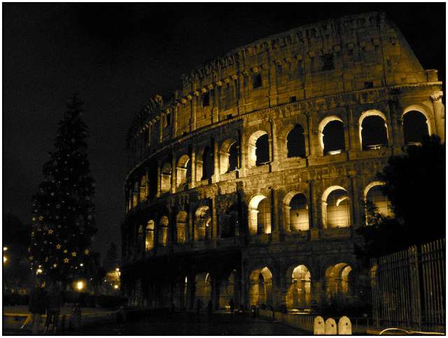 Colosseum-in-Rome-4