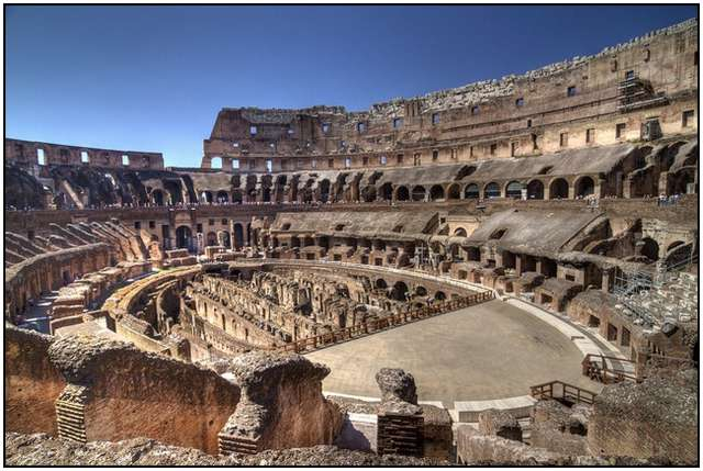 Colosseum-in-Rome-8