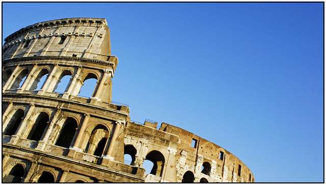 Colosseum-in-Rome-9