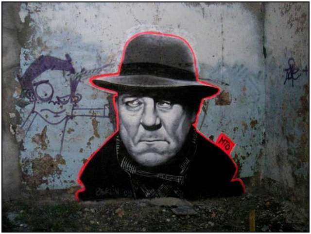 Famous-movie-roles-as-graffiti-all-over-Berlin-8