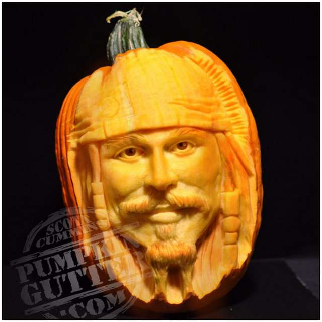 Sculptures-Made-by-Carving-Pumpkins-10
