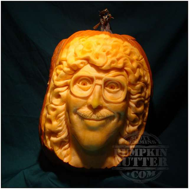 Sculptures-Made-by-Carving-Pumpkins-14