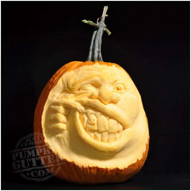 Sculptures-Made-by-Carving-Pumpkins-2