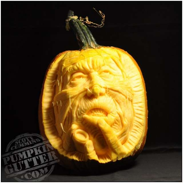 Sculptures-Made-by-Carving-Pumpkins-5