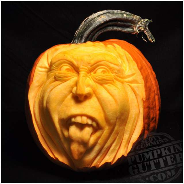 Sculptures-Made-by-Carving-Pumpkins-8