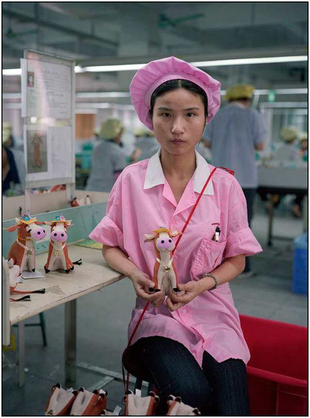 Photo-Series-of-Chinese-Toy-Factory-Workers-3